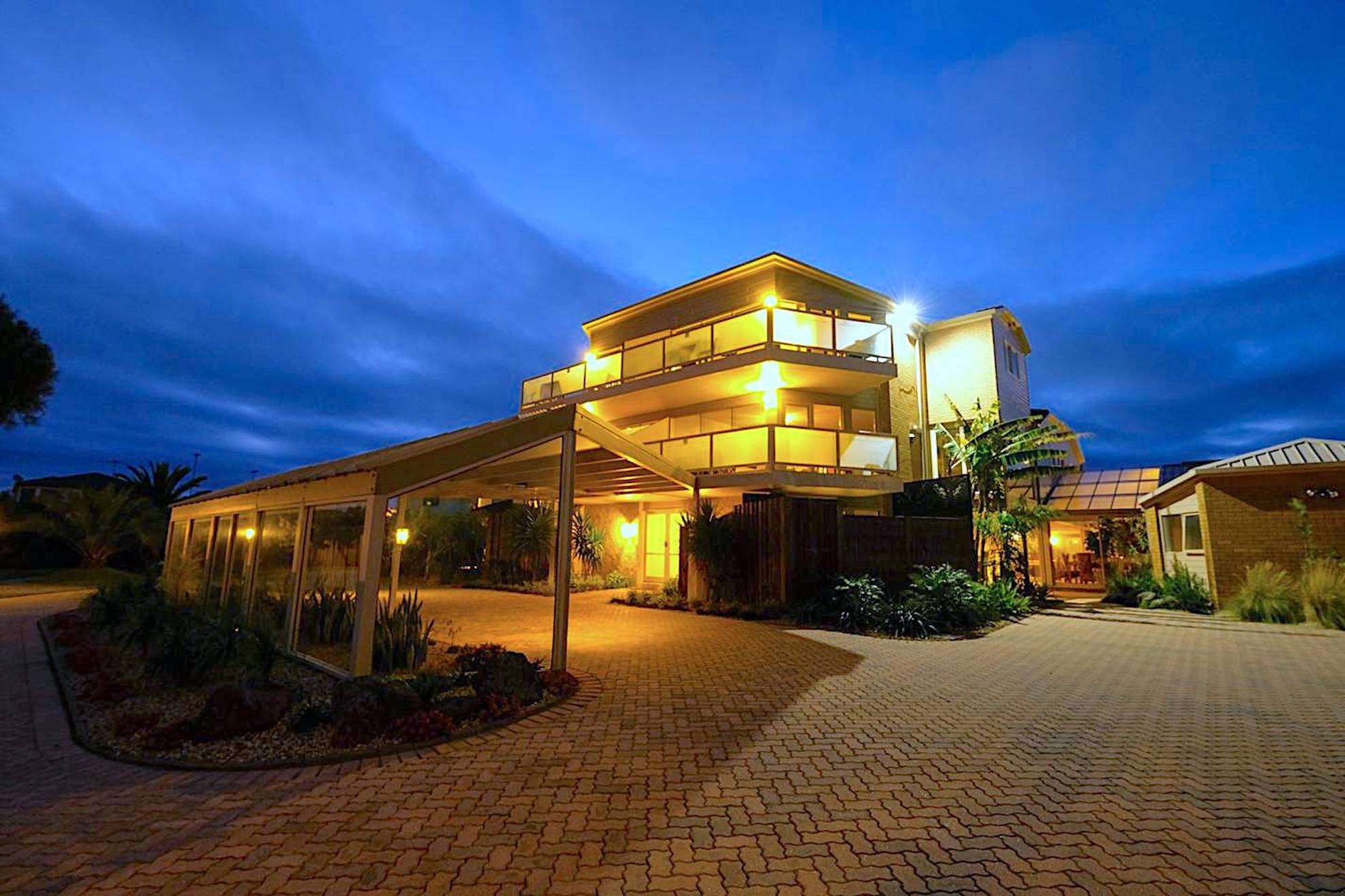 Whitesbeach Guesthouse Torquay Luxury